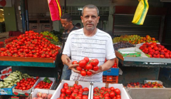 Buying And Selling In The Shuk