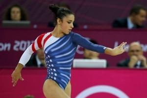 Jewish Gal Shows Gold Salute To Munich 11
